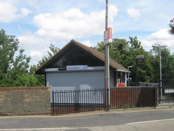 Swanscombe Station