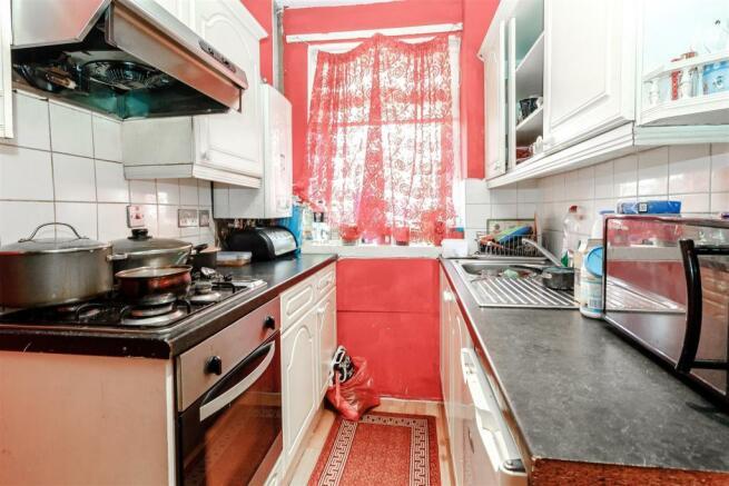 8411057-interior11.jpg