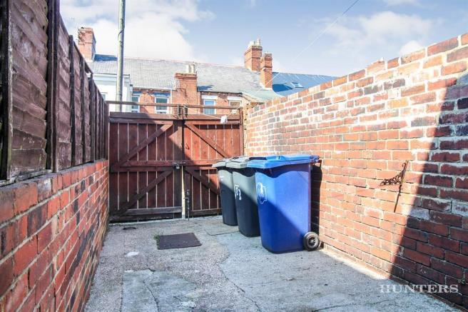 Rear Yard Image 2