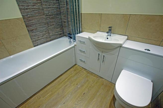 bathroom flat3.jpg