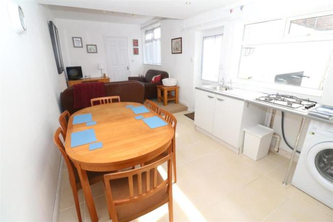 Annexe Kitchen / Living Room