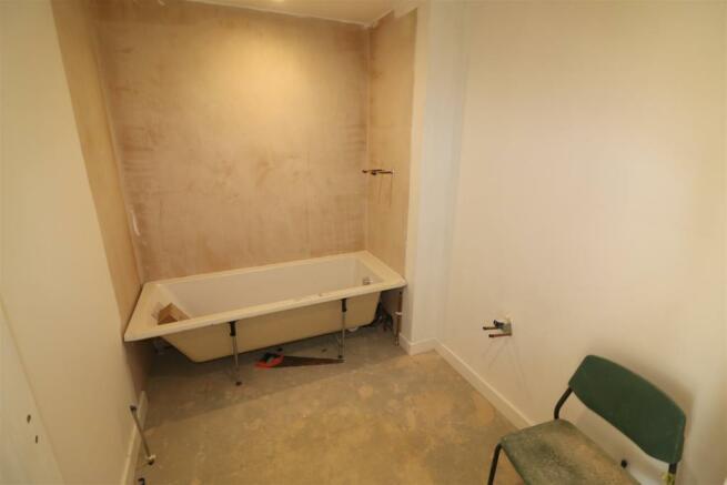 Number 6 - Bathroom / WC