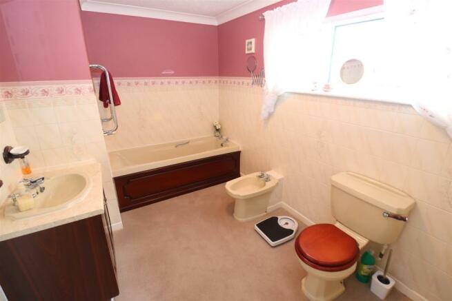 Bath / Shower room / WC