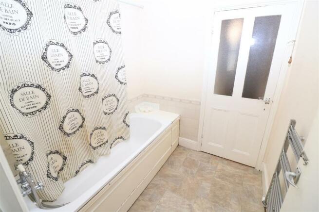 126A - Bathroom / WC