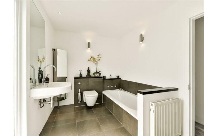 Bathroom: NW6 6EL