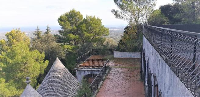 2 roof terraces