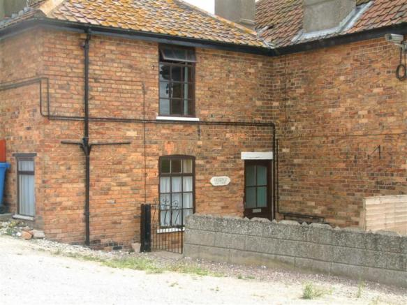 2 bedroom semi-detached house to rent in Cansdale Farm, Wold