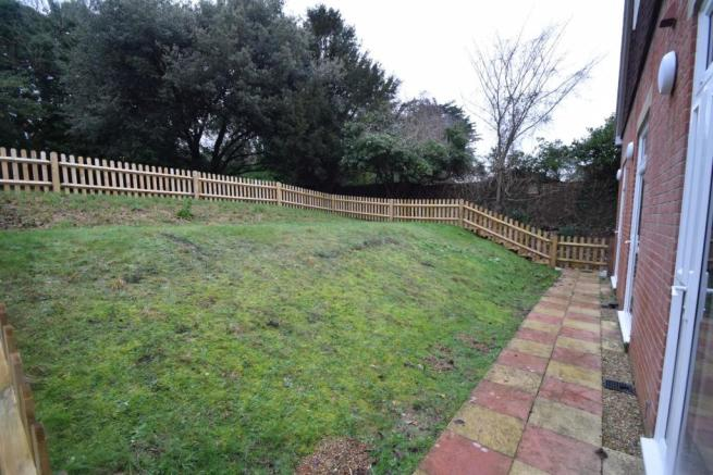 9 Ravelston Grange garden.JPG