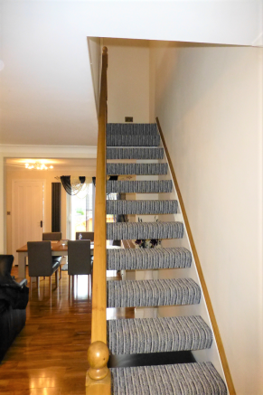STAIRCASE TO UPPER L