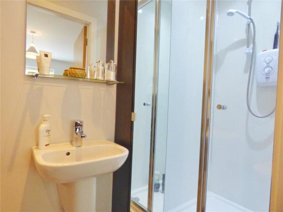 En-Suite Shower:
