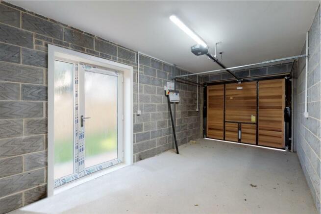 21B Garage.jpg
