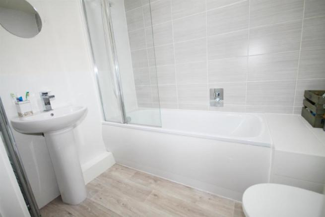 Bathroomedited.jpg