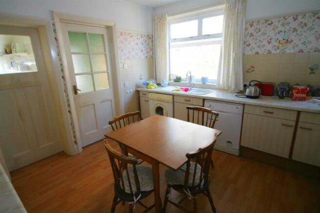 Kitchen 2edited.jpg