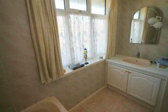 Bathroom 2edited.jpg
