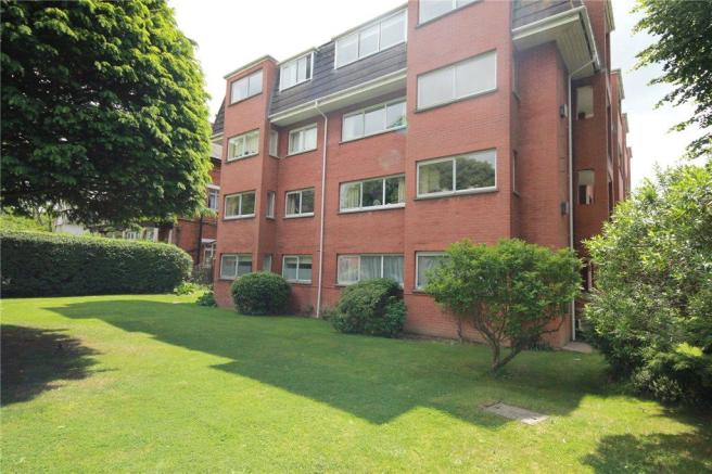 3 bedroom apartment to rent in West Ridge Court, 32 Park Hill ...
