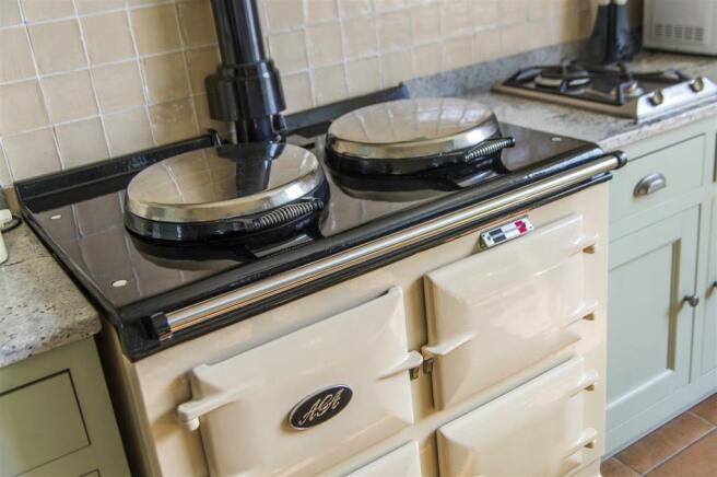 0317-0154 Truro-3 Dolphin House-kitchen.JPG