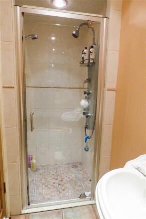 shower room_edited.jpg