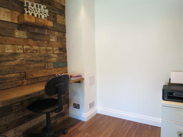 Study/Playroom Area: