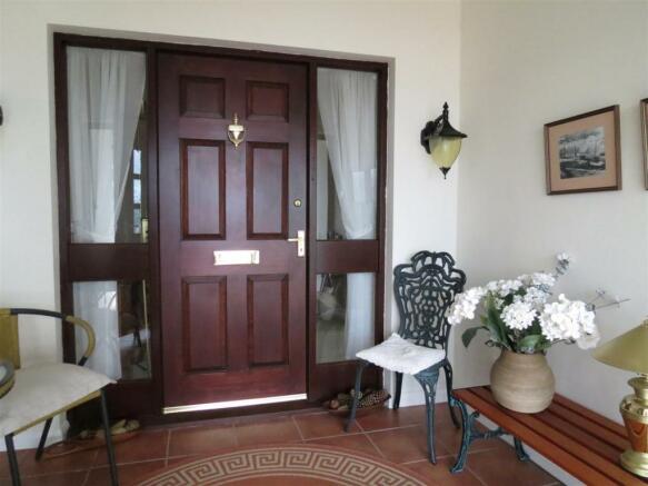 Entrance Vestibule:
