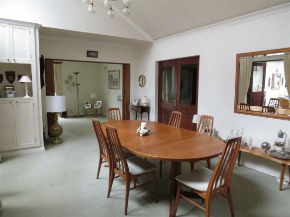 Main Living Area (Di