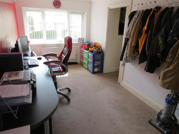 Bedroom 4/Reception Room 2: