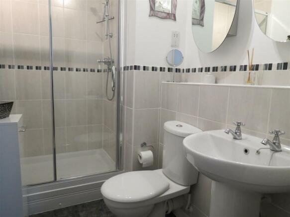 En-Suite Shower Room: