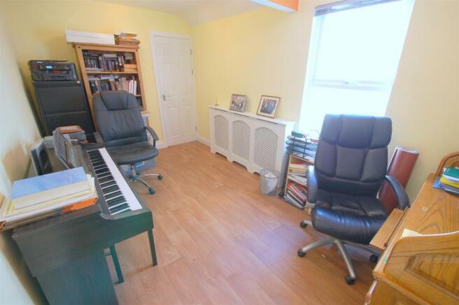 Annexe Sitting Room/Optional Bedroom 5
