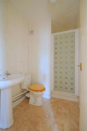Flat C Shower Room