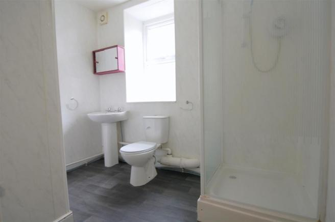 Flat F Shower Room