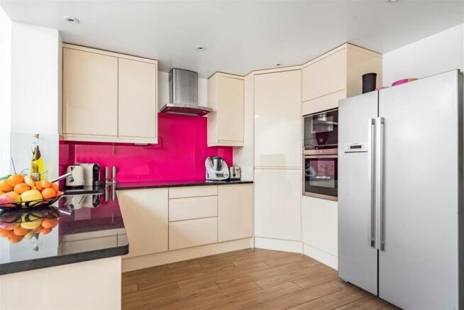 Heckford Close - Kitchen.jpg