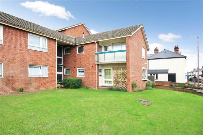 2 Bedroom Apartment To Rent In Somers Court Upper Howsell
