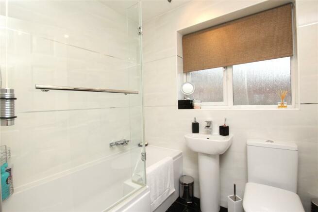 09 Bathroom