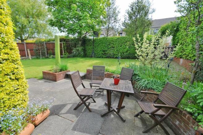 Side garden / allotment