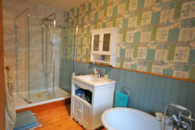 Four piece family bathroom