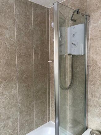 50 park av bathroom.jpg