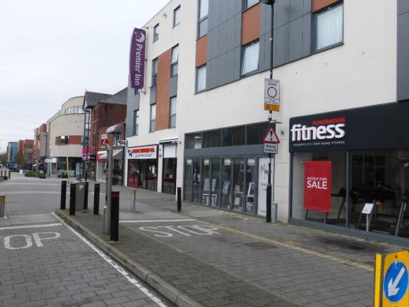 Retail Property High Street To Rent In 14 Park Street