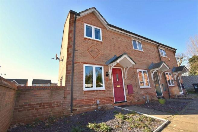 2 bedroom end of terrace house for sale in lingmoor drive watford rh rightmove co uk