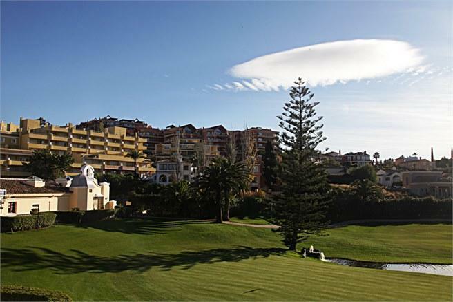Los Naranjos, en av golfbanorna i Nueva Andalucia
