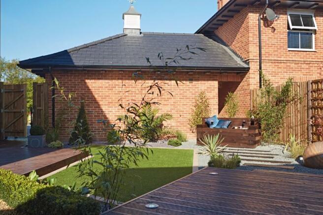 Showhouse garden