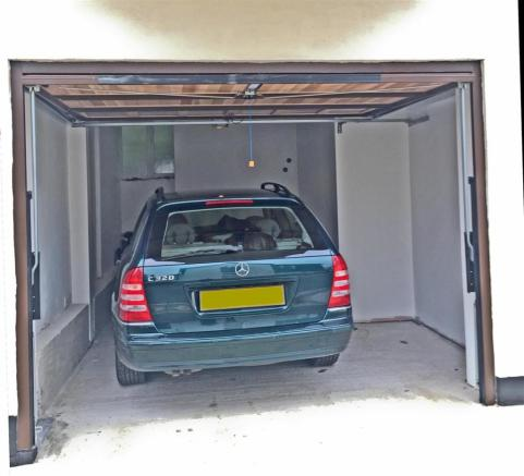 Mercedes-Estate.jpg
