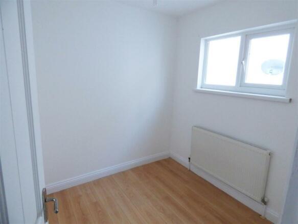 Bedroomm 3.jpg