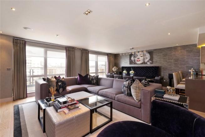 3 Bedroom Apartment For Sale In Doulton House Chelsea Creek Fulham - Excellent-3-bedroom-london-apartment-in-chelsea-area