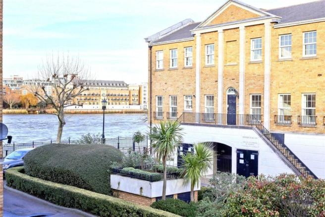 1 Bedroom Apartment For Sale In Frederick Square