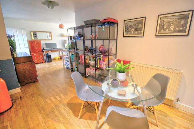Living Room & Kitchen/Diner