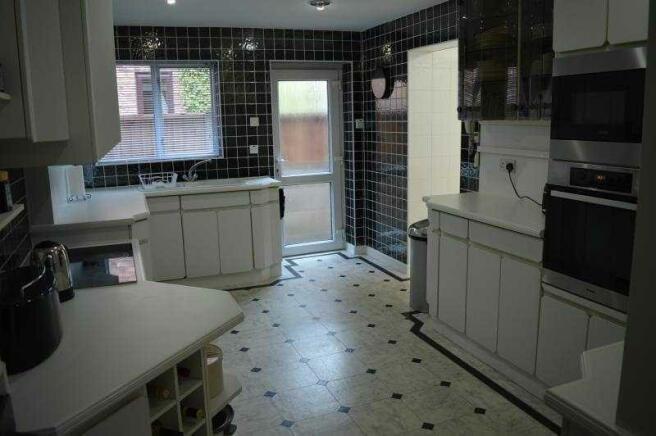 26b Lulworth Rd kitchen