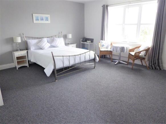 Bedroom 5 Area 2