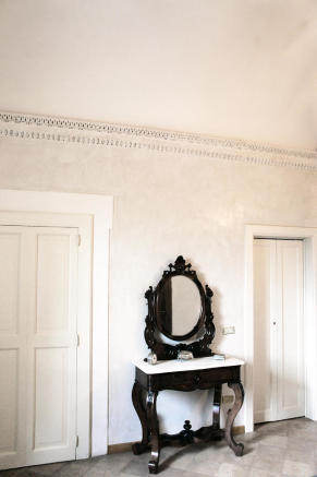 Wall moulding
