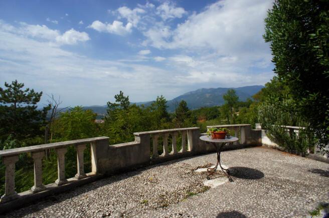 3 View side terrace