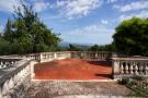 19 Dining terrace