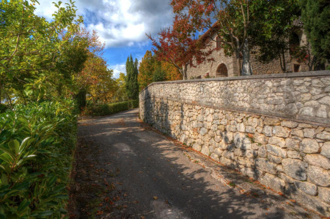 Approach to Casale